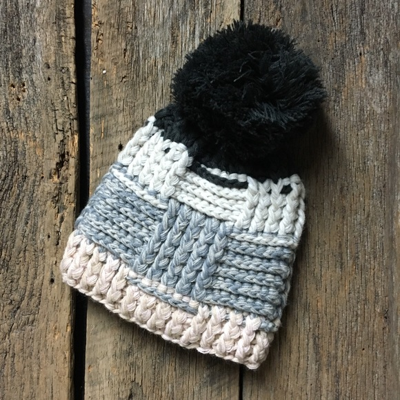 a88d6249030e2 Anthropologie Accessories - ANTHROPOLOGIE SLEEPING IN SNOW WINTER HAT